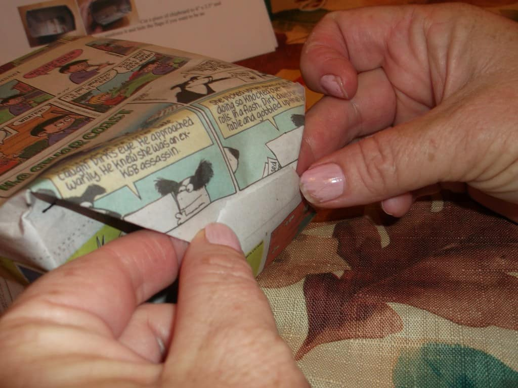 easy gift bag to make from newspaper