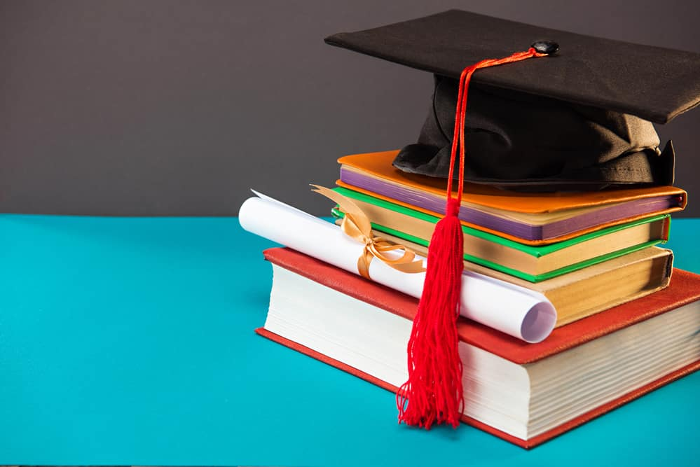 How to score little-known college scholarships - Living On The Cheap