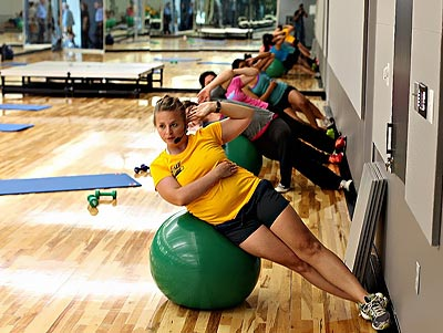 cheapest golds gym membership
