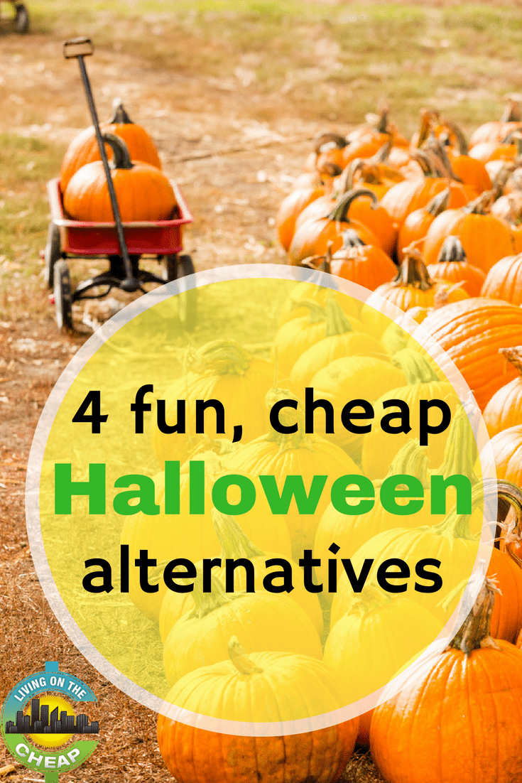 If your family prefers to skip trick-or-treating in favor of other activities, check out this post for some ideas for alternative outings to celebrate instead of Halloween (a lot of them are FREE) #frugalliving #halloween #moneysavingtips