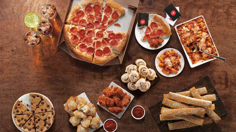 Pizza Hut Offers 5 N Up Lineup With Pizza Pasta Dessert And More Living On The Cheap