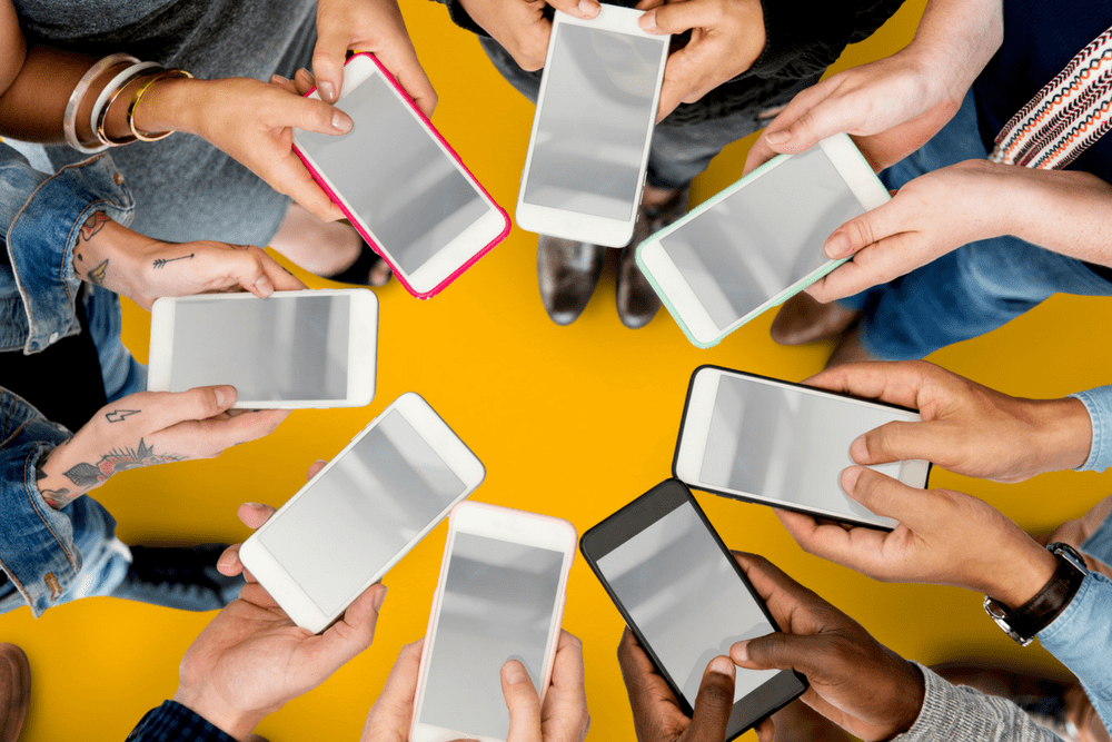 Which Smartphone Family Plan Is Best And Cheapest Living On The Cheap