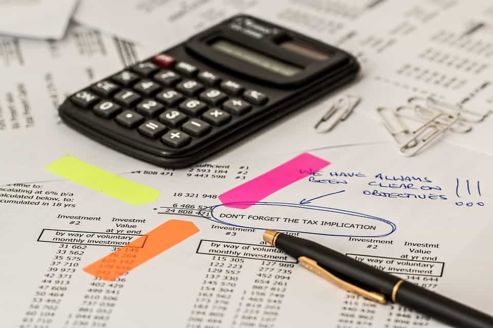 calculate tax deductions (pixabay photo)