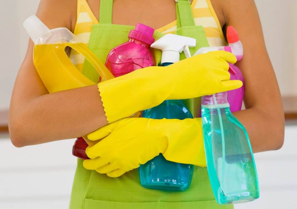 cleaning-products-woman