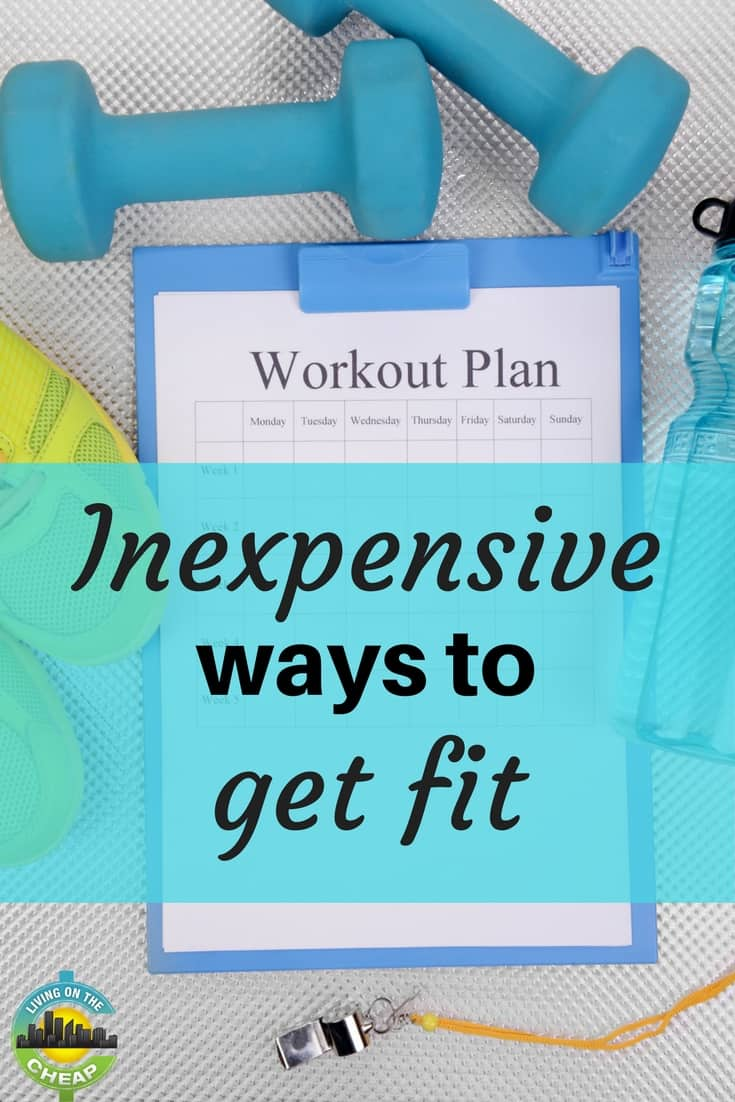 Looking to get a jump start on a fitness routine but don't want to spend a ton on equipment you don't know how to use or a gym memberships you don't have time to use? Check out these seven inexpensive ways to get fit in the new year. #savingmoney #moneysavingtips #frugalliving