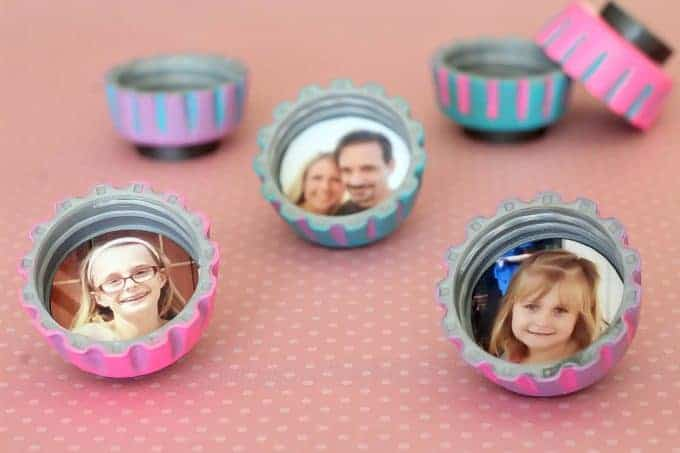 Mother's Day crafts for kids - photo of bottle cap magnets