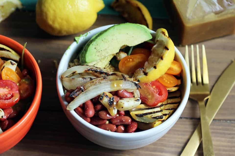 Barbecue leftovers: Vegan power bowl with maple-dijon dressing