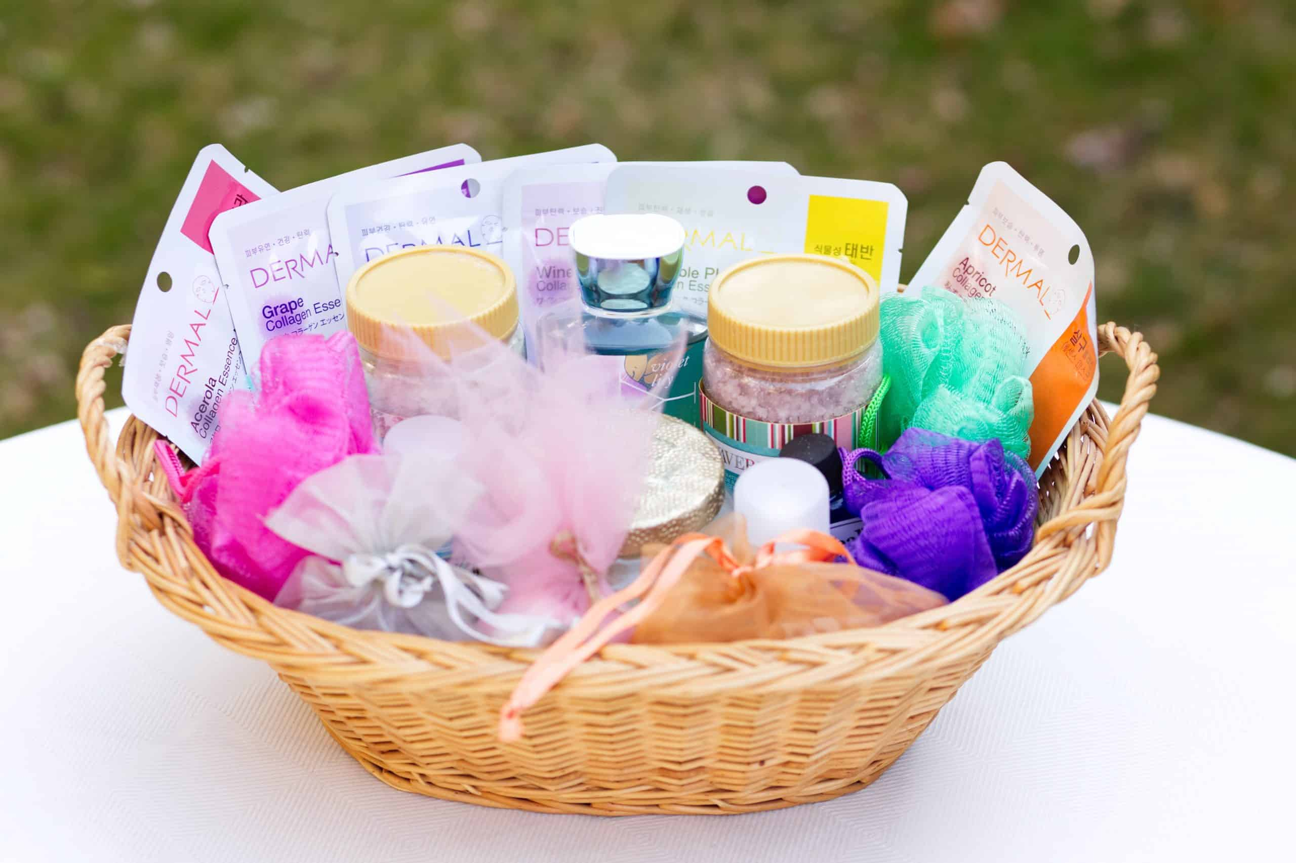 Spa day gift basket - Basket filled with bath and beauty products