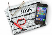 4 ways your smartphone can help your career